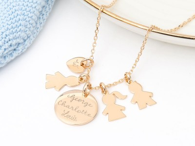 merci-maman-her-mum-personalised-duchess-necklace-royal-baby-2018-400x300